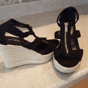 Hot kiss Wedge sandals